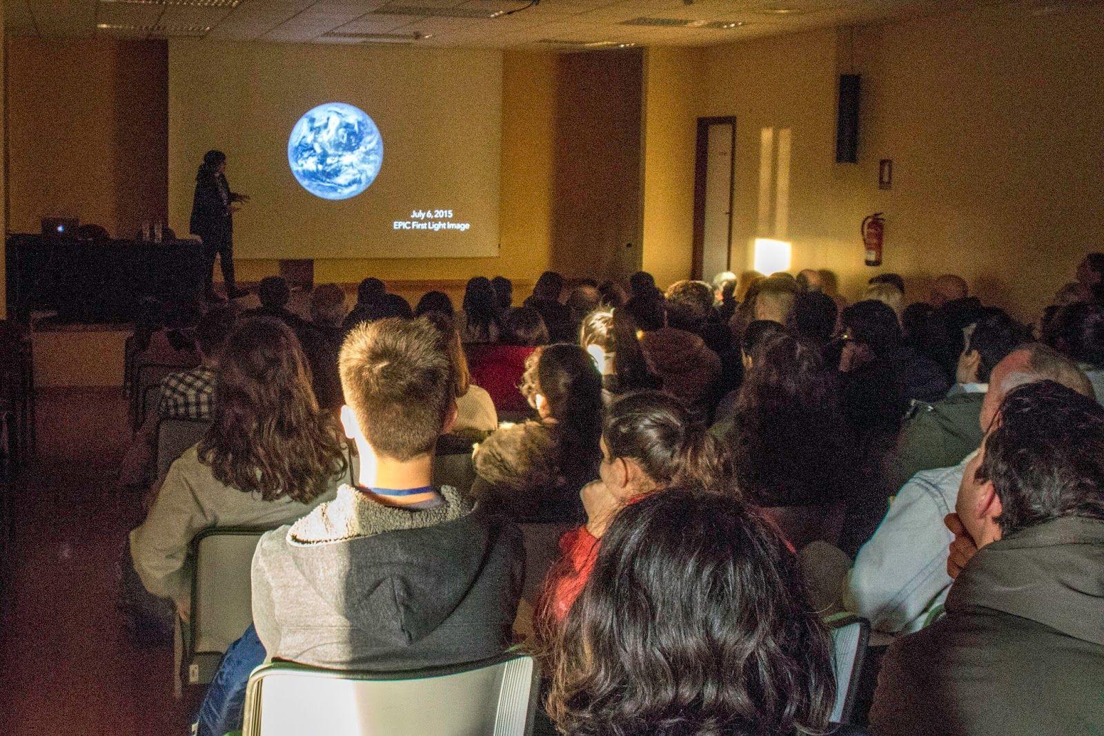 Conferencia Vigozoo sobre la vida de los planetas